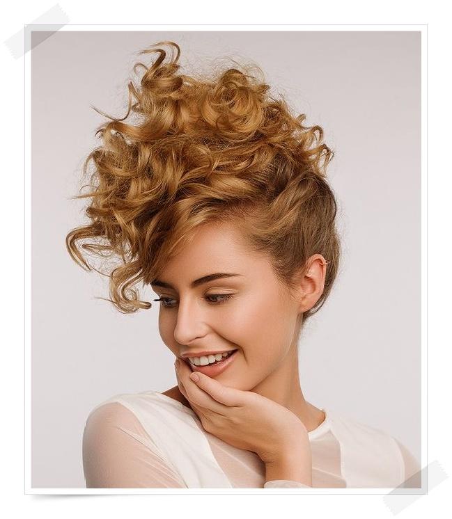 Złoty Blond Trendy Fryzury 20172018 Golden Blonde Hair